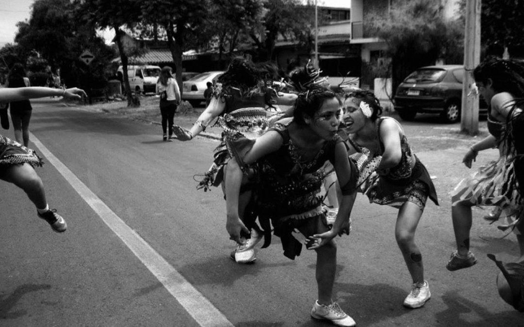 El camino del  cuerpo: Experiencias callejeras desde  la danza y el carnaval